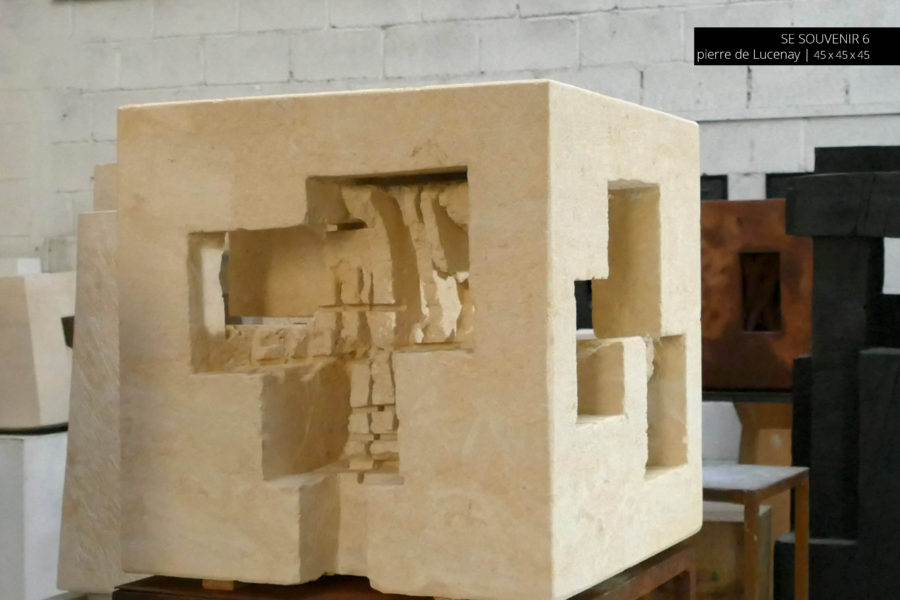 Jean-Michel Debilly -Sculpture - Se Souvenir 6 pierre de Lucenay